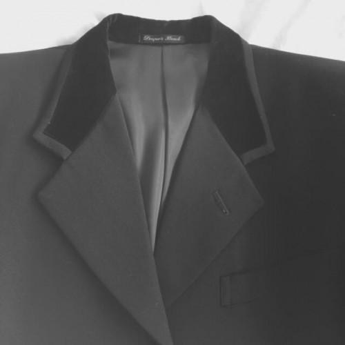 ブラック・ヴェルヴェット・カラー(black velvet collar)